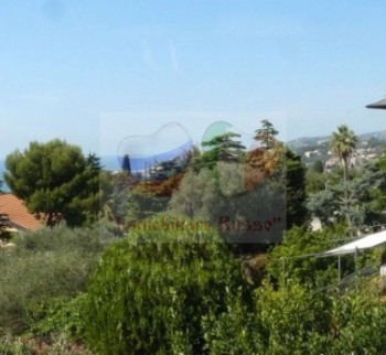 Buy cheap real estate by the sea in Liguria