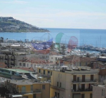 Buy an inexpensive apartment in Italy by the sea