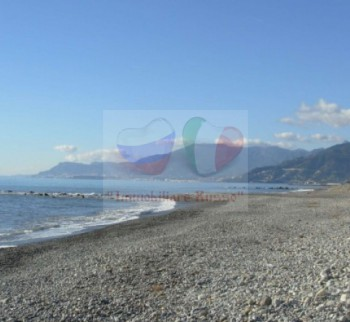 Buy an apartment on the seafront in Vallecrosia
