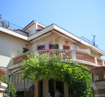 Buy 3-room apartment in Liguria