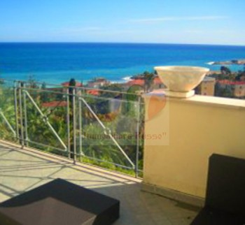 Buy an apartment in Bordighera with sea view
