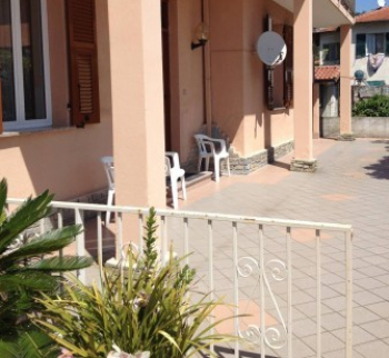 Apartment for sale with terrace near the sea in San Remo