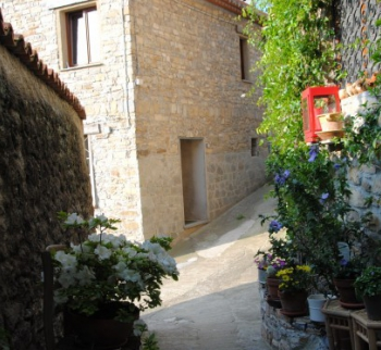 Buy a cheap house in the mountains in Borgomaro, Liguria