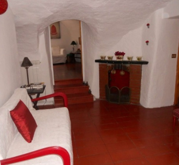 Buy an apartment with a garden in Rocchetta Nervin...