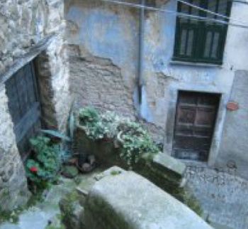 Buy an inexpensive apartment in Apricale, Liguria