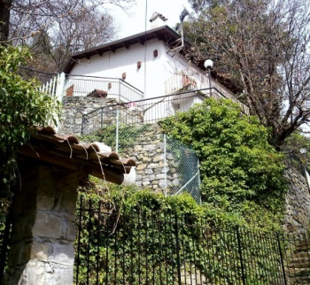 Buy a villa with a garden in San Remo