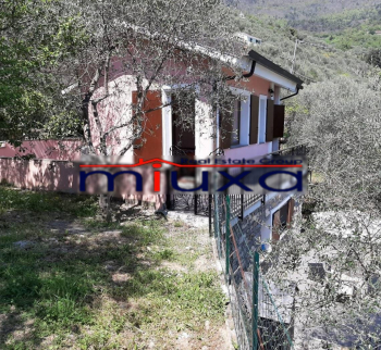 House for sale with garden in Ceriana, Liguria