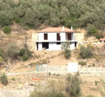 For sale a new villa with mountain views in Castellaro, ...