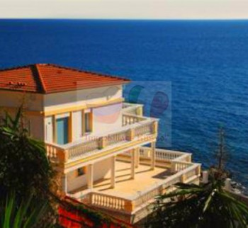 New building at the bays of the Ligurian Riviera!