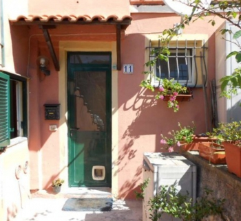 Inexpensive apartment in Finale Ligure