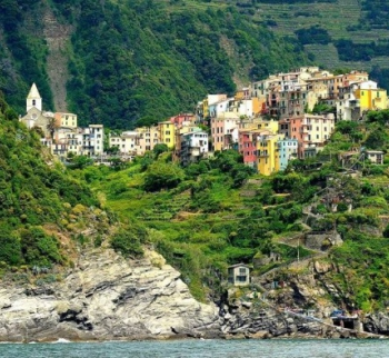 Apartments by the sea in Vernazza