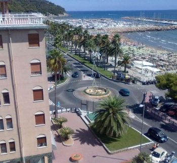 Apartment in Marina di Andora, 20 meters from the ...