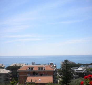 Apartment by the sea in Lavagna