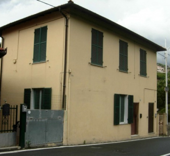 Cheap two-family house in Sanremo
