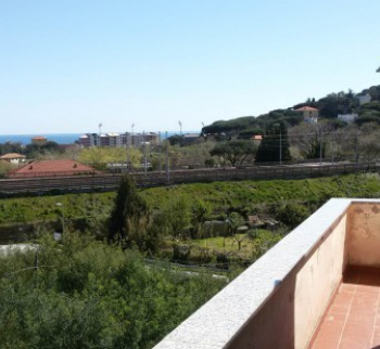 Apartment with sea view in Spotorno