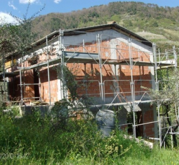 New house with garden in Levanto
