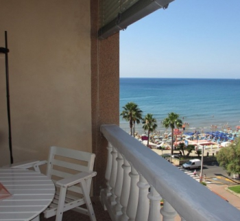 Apartments 20 meters from the sea in Marina di And...