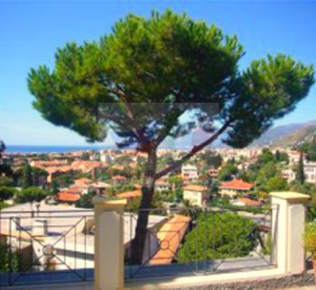 Three independent apartments in Bordighera