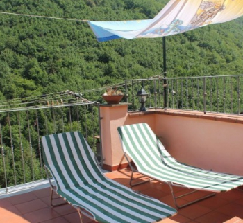 Apartments in Ricco del Golfo La Spezia in the mountains