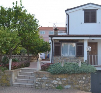 Villa near the sea in Diano Marina