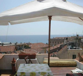 Studio apartment in the pedestrian zone of San Remo