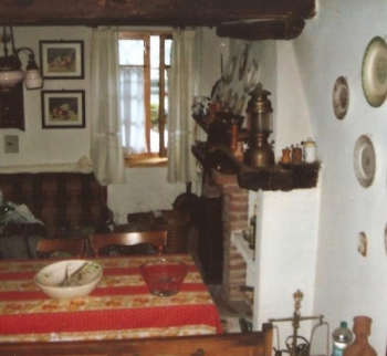 Apartment with fireplace in Isola del Canton
