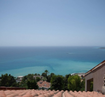 Inexpensive apartment on the sea in Ospedaletti