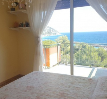 Apartment by the sea in Ospedaletti