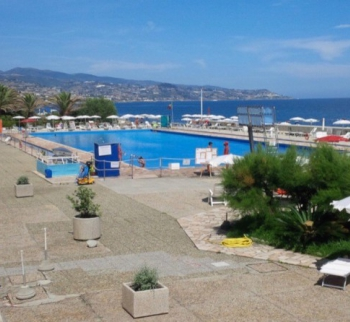Studio apartment by the sea in Ospedaletti