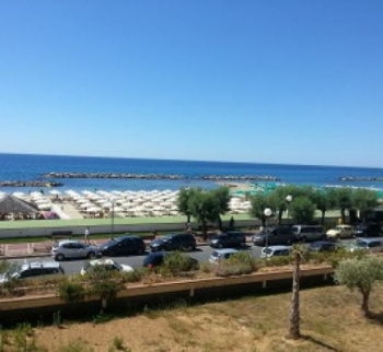 Beachfront apartment in Armaggio Taj