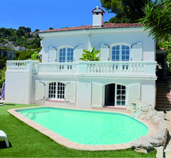 Two-storey villa with a pool in Villefranche-sur-Mer