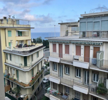 Apartment with sea views in the area of Foche, Sanremo