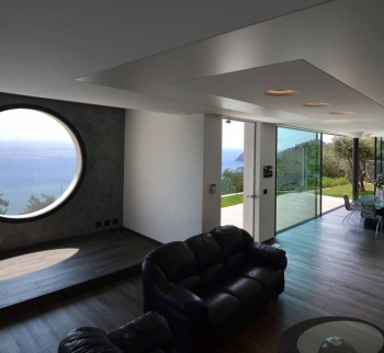 New villa in Bergeggi with sea view
