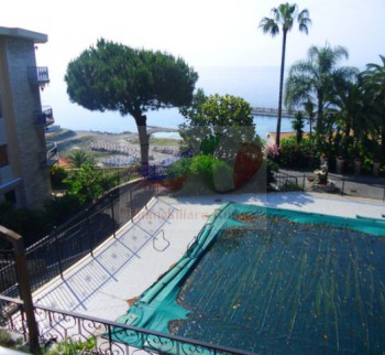 Apartments for rent in a small villa in Liguria