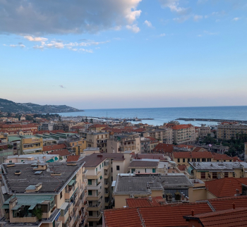 Studio with sea view in Sanremo