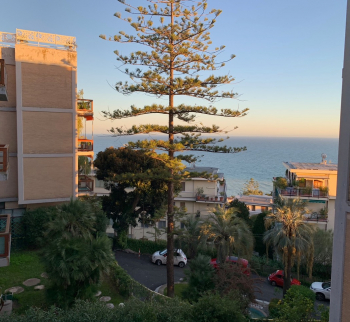Rent an apartment with sea views in Sanremo