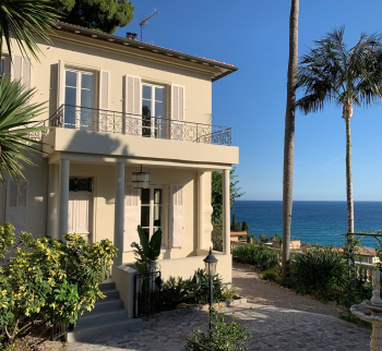 Villa in Menton with a large garden and sea views