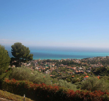 Villa in San Remo with magnificent views of the bay