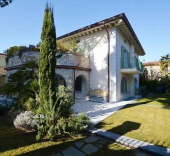 Property for sale in Forte dei Marmi Tuscany