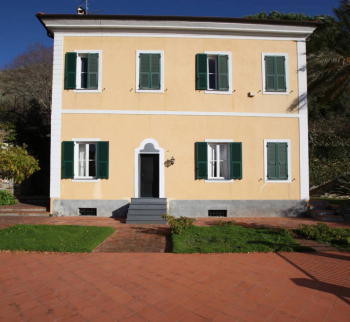 Villa on the hills in Pontedassio