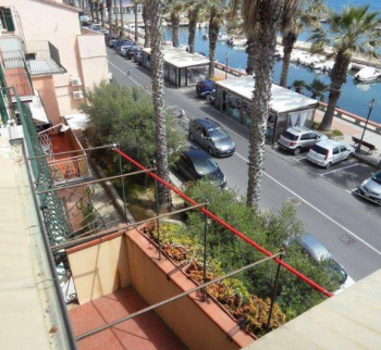 Apartment in Riva Ligure by the sea