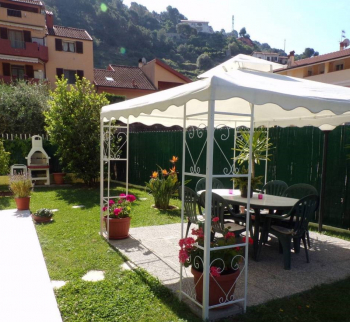Apartment in a villa in Ventimiglia