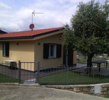 Villa with sea view in Poggi
