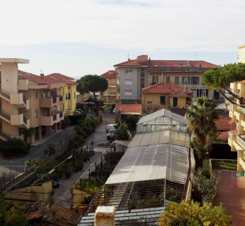 Studio a stone's throw from the sea in Bordighera