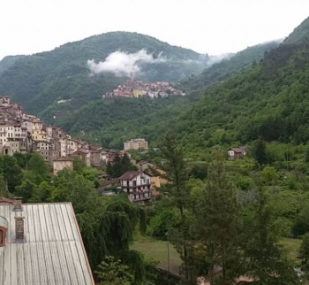 Apartment with panoramic mountain views in Pigna