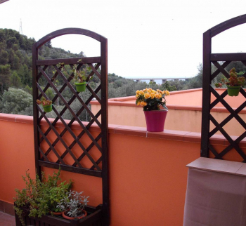 Apartment with a private garden in San Bartolomeo ...