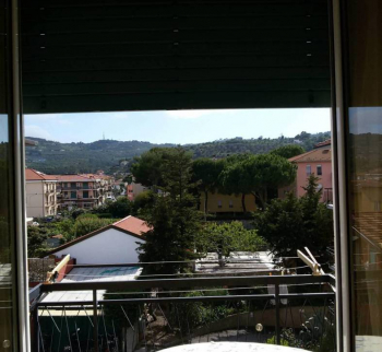 Apartment with a view of the hills in Diano Marina