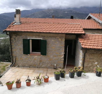 Stone house with sea view in Ventimiglia