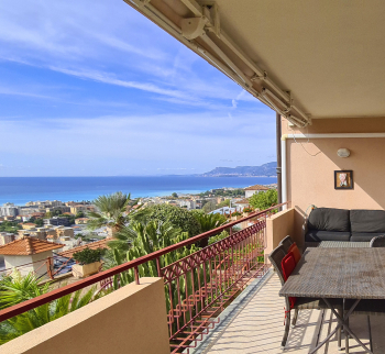 Duplex apartment in Bordighera with sea views