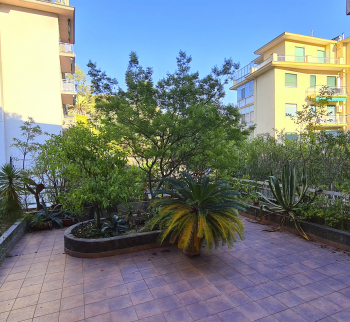 One bedroom apartment in Sanremo with parking